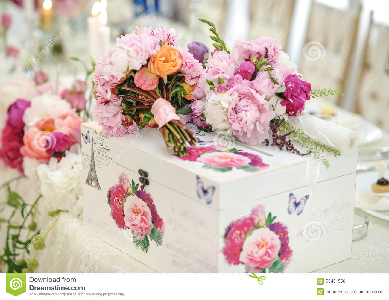 Wedding Decoration On Table. Floral Arrangements And Decoration ...