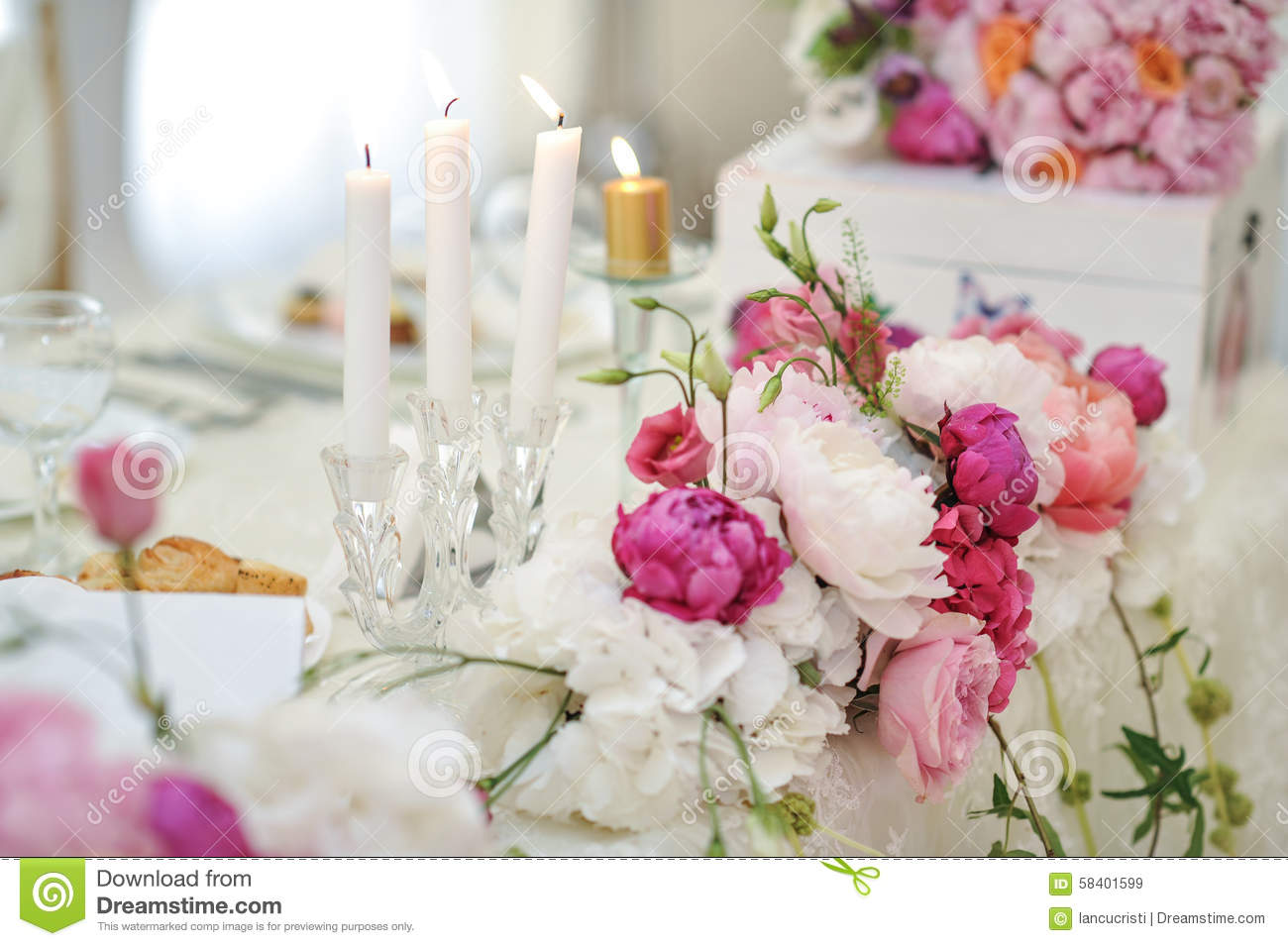 Wedding Decoration On Table Floral Arrangements And