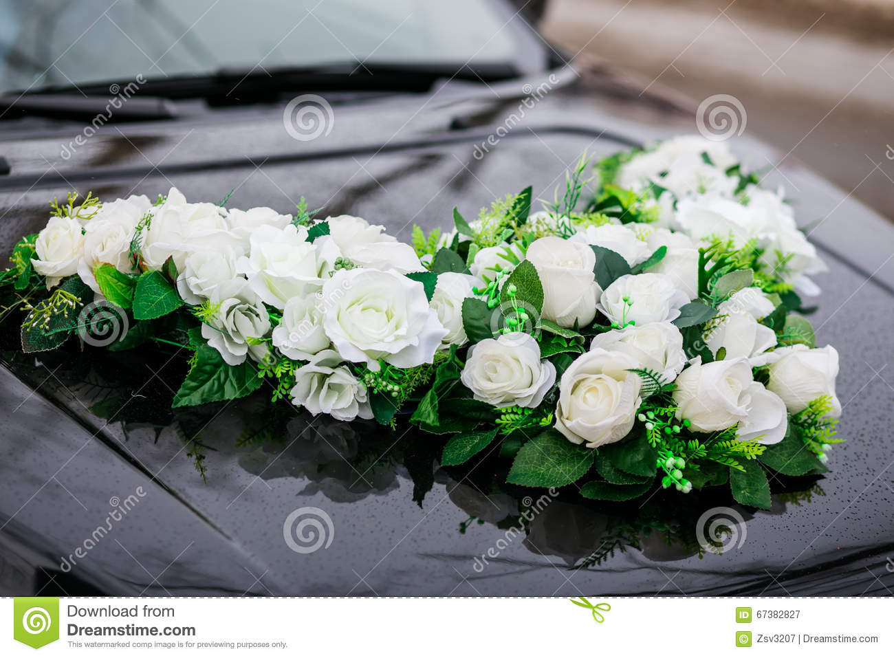 Wedding decorations for car flowers white roses stock for Decoration avec des roses