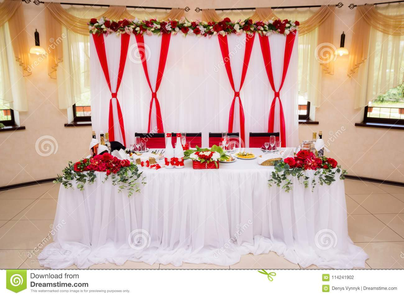 Red And White Wedding.Wedding Decorations Of White And Red Color On Table For Newlyweds