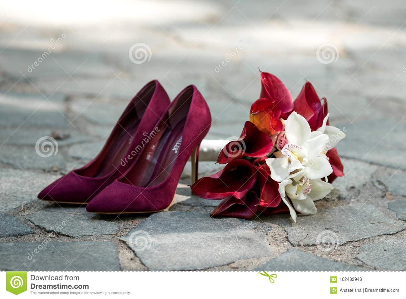 Wedding details red shoes wedding bouquet with burgundy and white red shoes wedding bouquet with burgundy and white flowers mightylinksfo