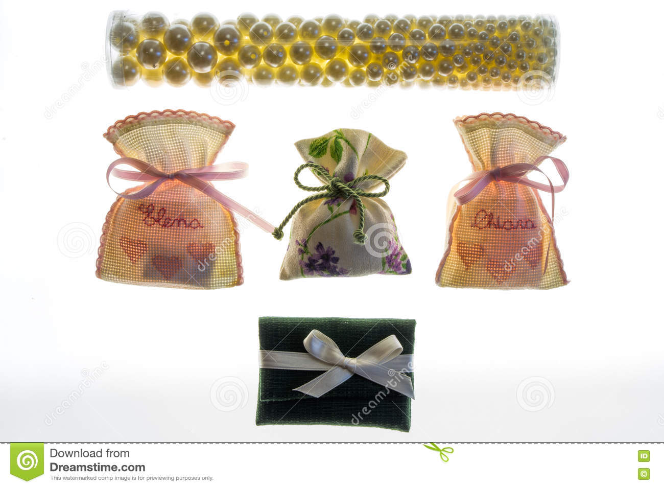 Wedding Favor Bags Containing Sugar-coated Almonds , Dates Gift ...