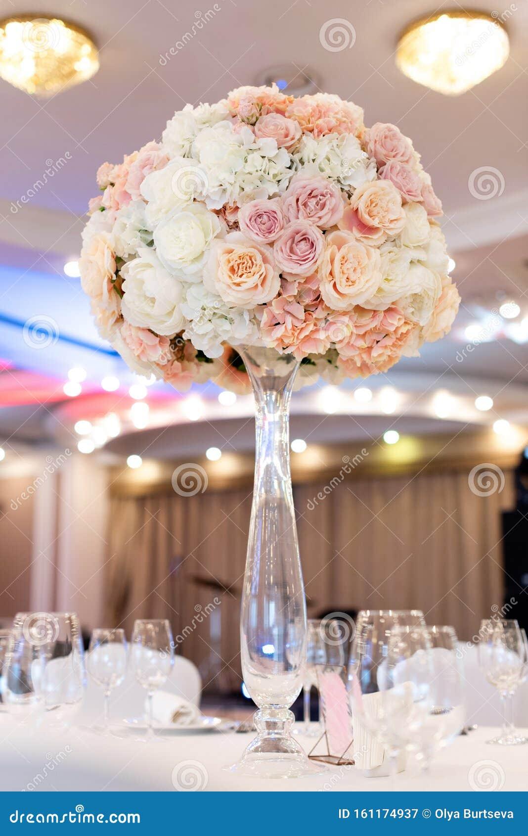 Wedding Flowers On A Tall Glass Vase Wedding Decor In Pastel Shades Stock Image Image Of Fashionable Celebration 161174937