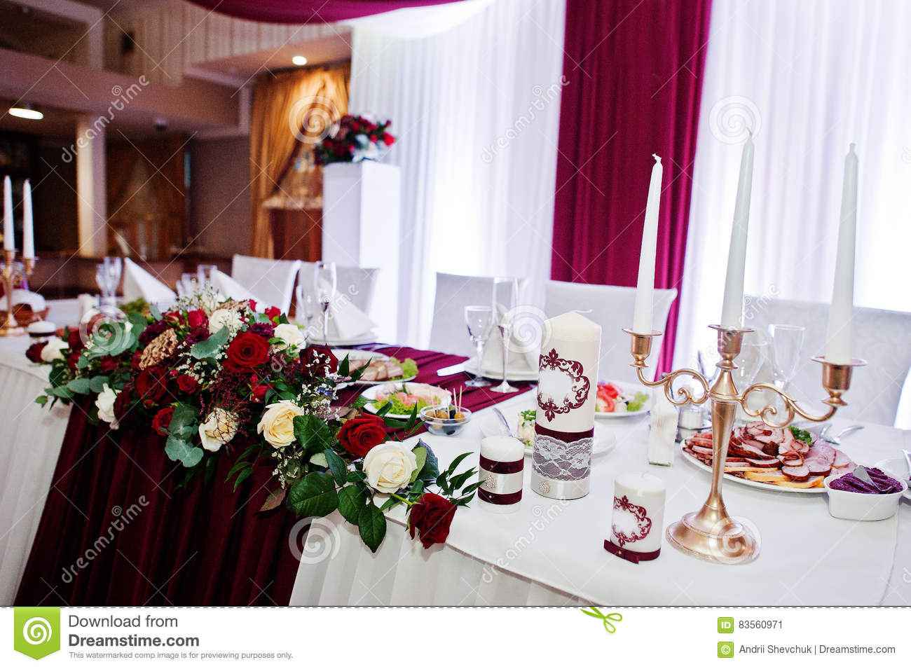 Wedding Flowers Of White And Red Roses On Table Of Newlyweds Stock