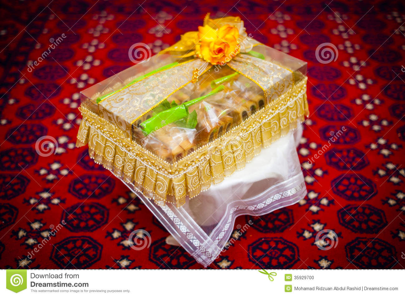Wedding Couple Gift Exchange : Wedding Gift Decoration Stock PhotoImage: 35929700
