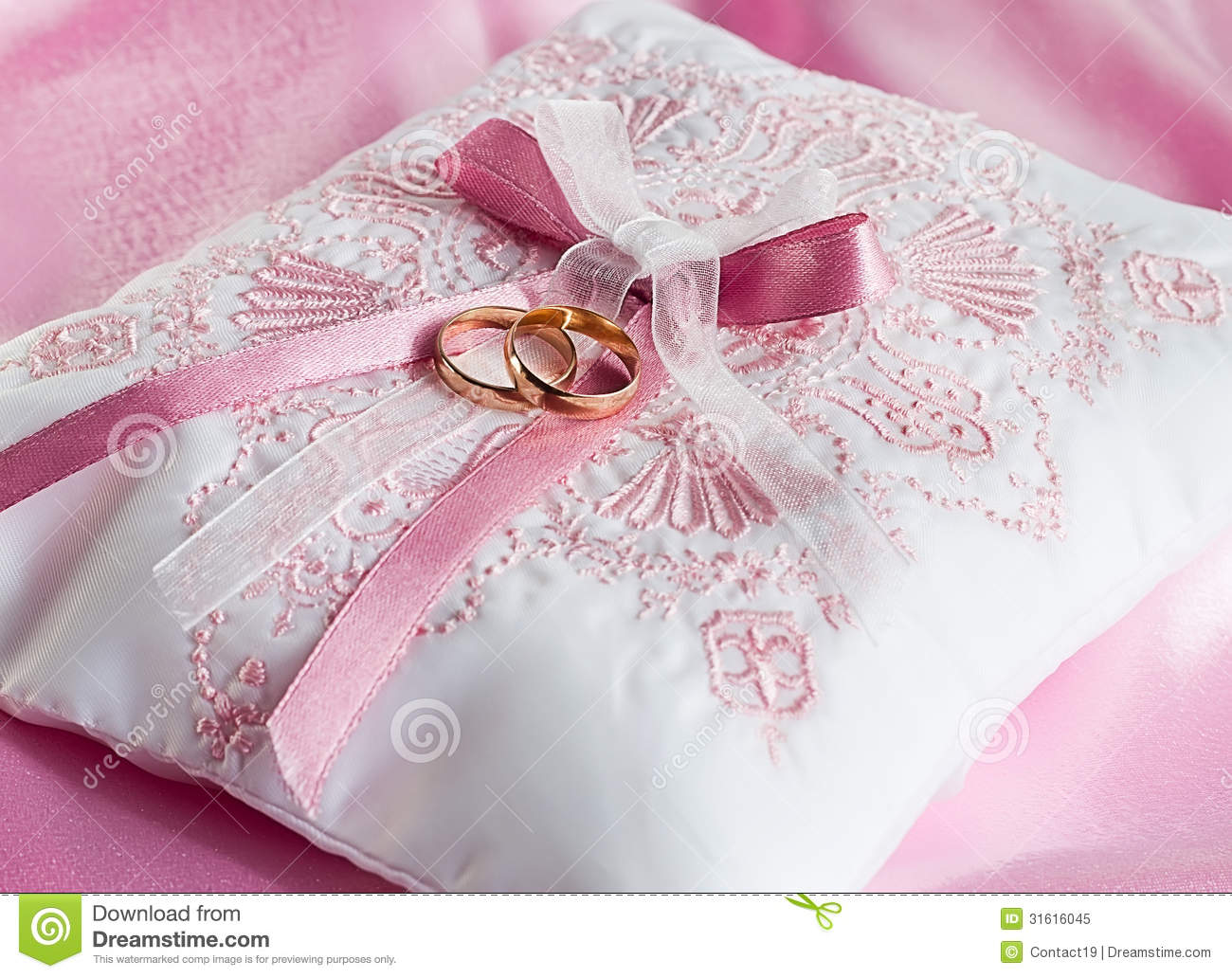 Wedding Gold Rings On A Pillow Stock Image - Image of decorative ...