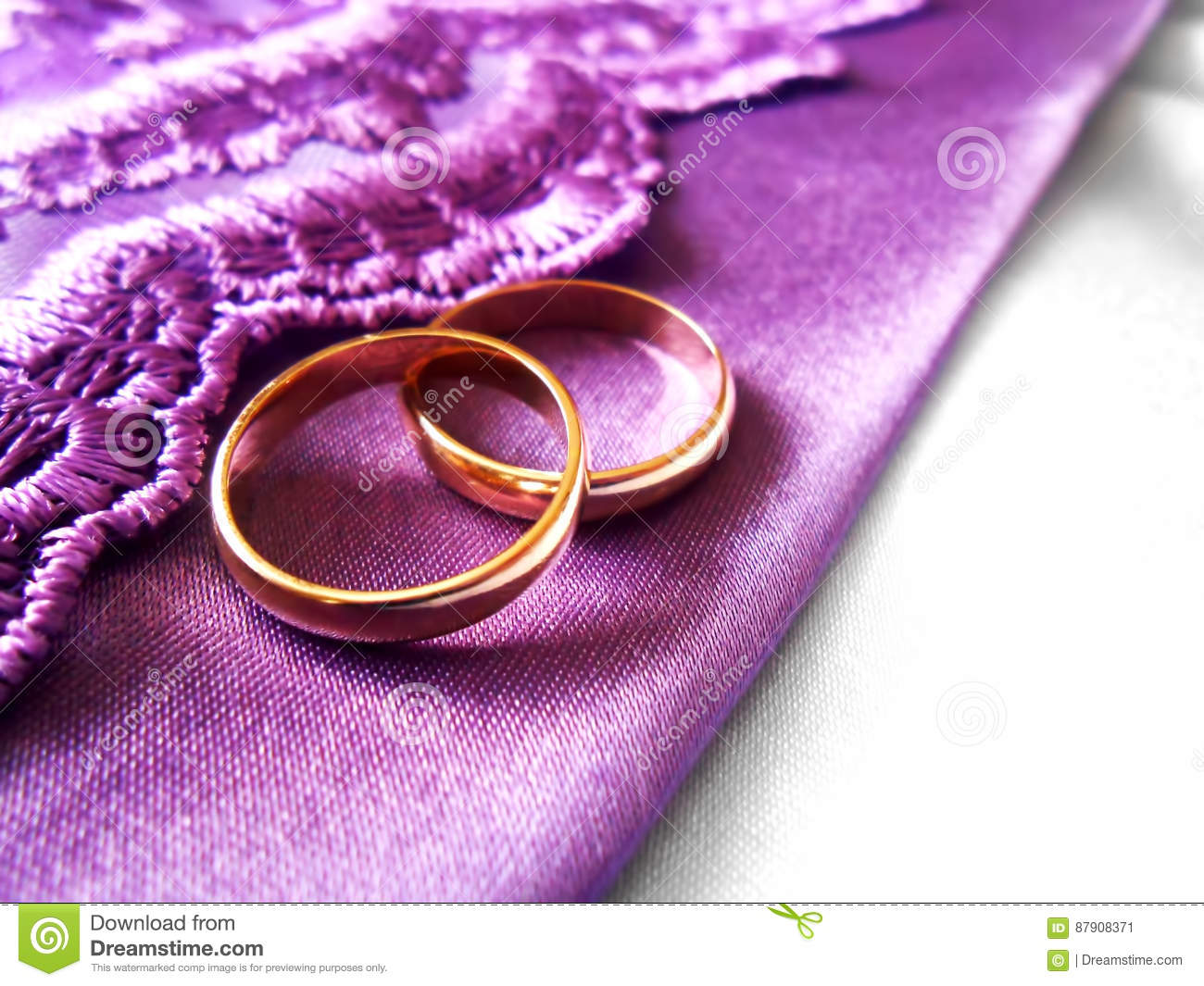 Wedding Gold Rings On Purple And White Fabric Stock Image - Image of ...