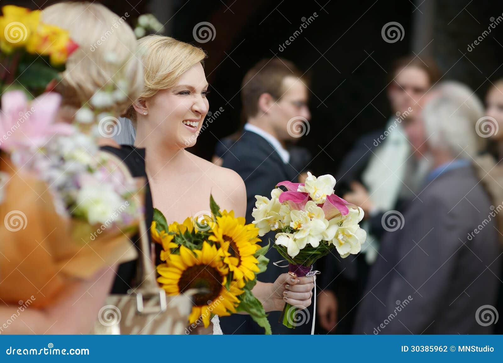 отводит тост от жениха с невестой для гостей три вида