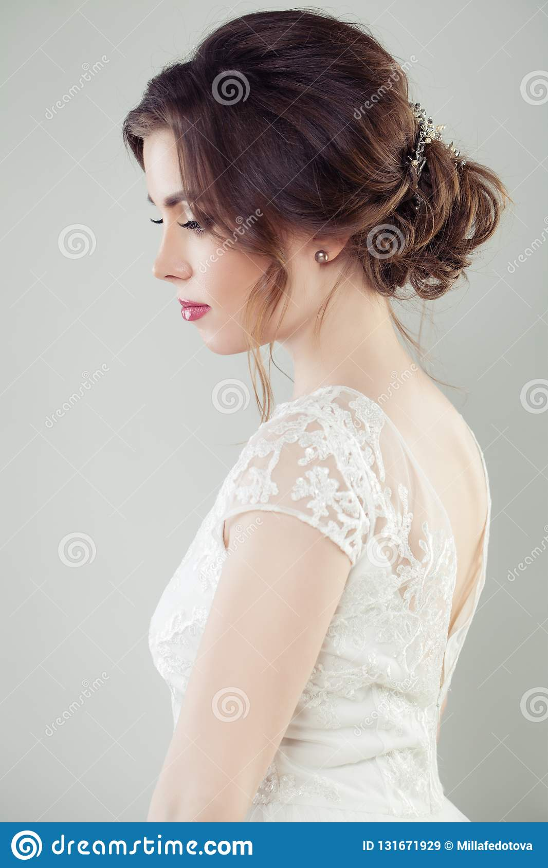 Wedding Hair Beautiful Bride With Makeup And Bridal