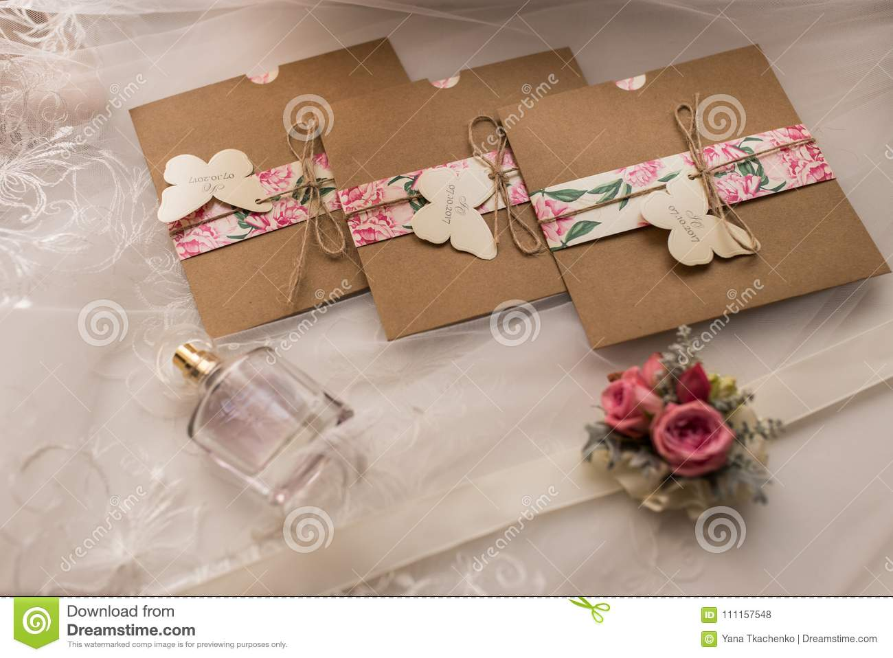 Wedding Invitations In The Craft Envelopes Wedding Concept