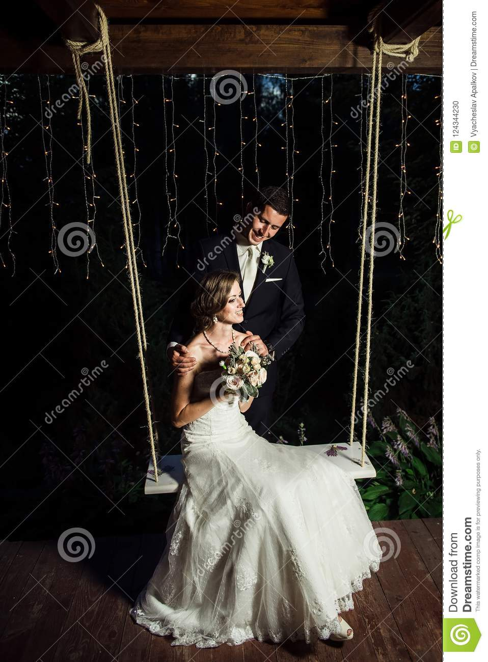 Wedding picture of a happy couple
