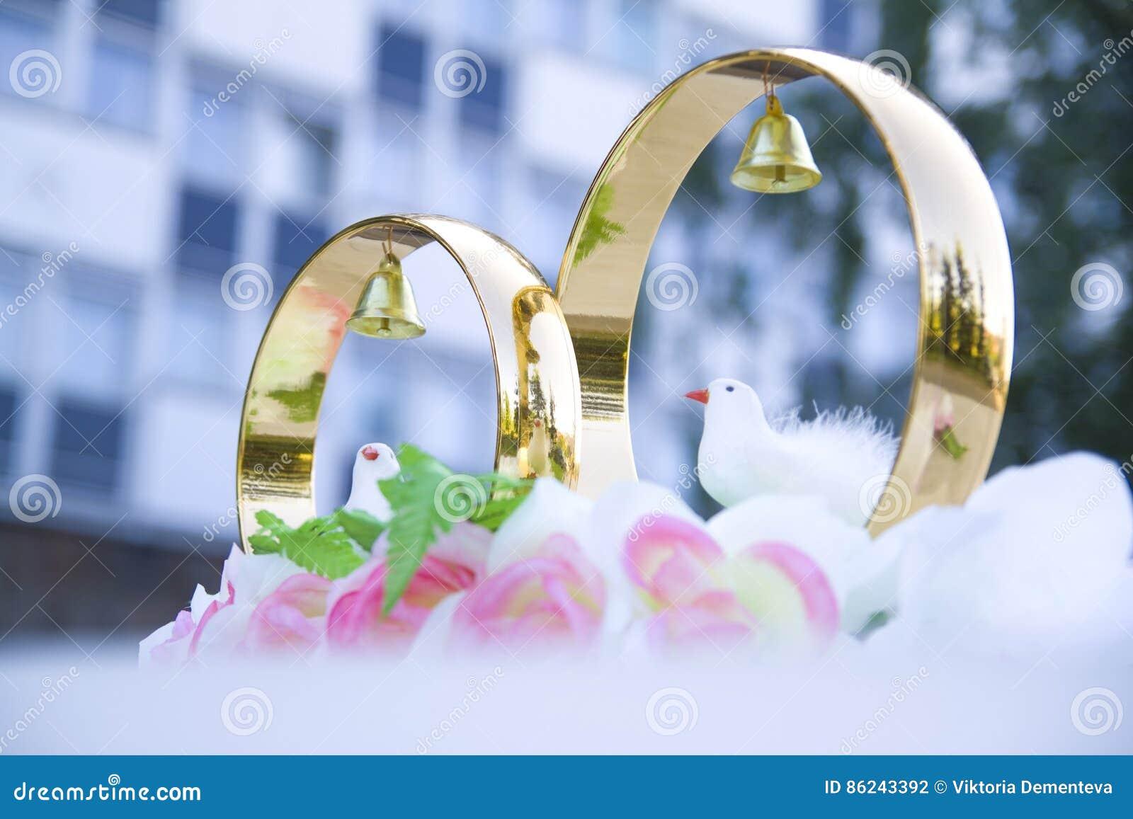Wedding props wedding rings flowers wedding decoration items wedding props wedding rings flowers wedding decoration items rings decorations on the car junglespirit Choice Image