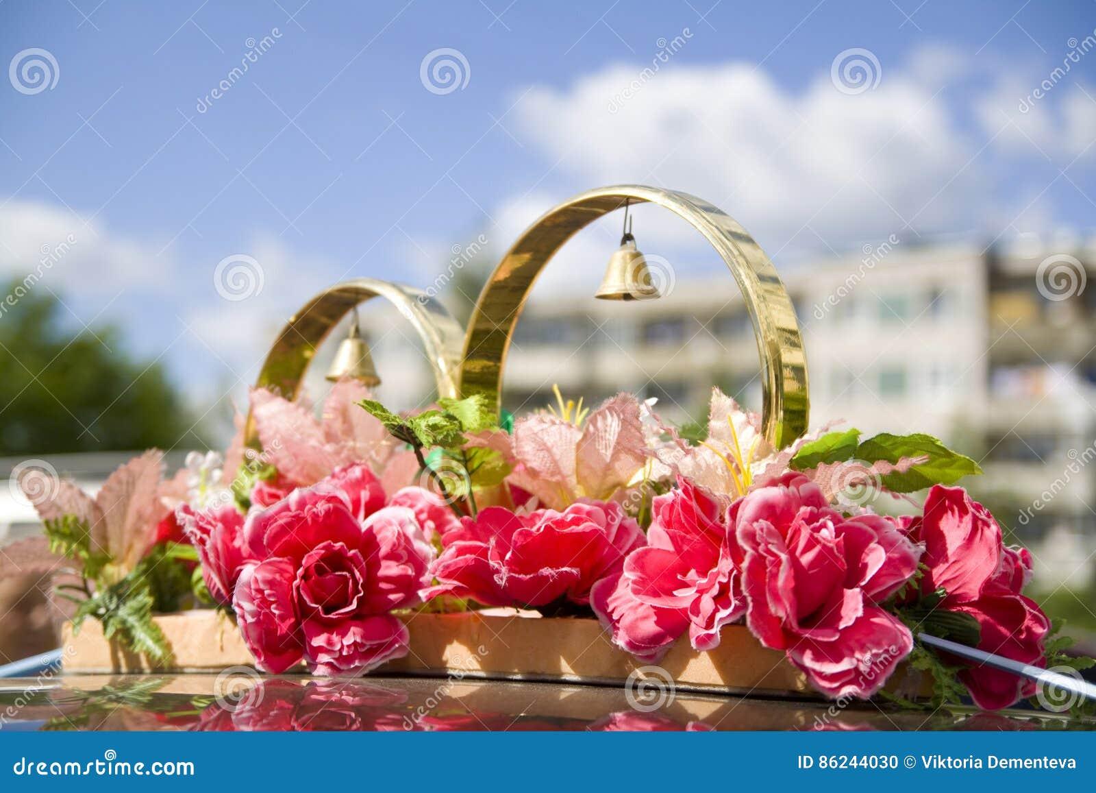 Wedding props wedding rings flowers wedding decoration items wedding props wedding rings flowers wedding decoration items rings decorations on the car junglespirit Images
