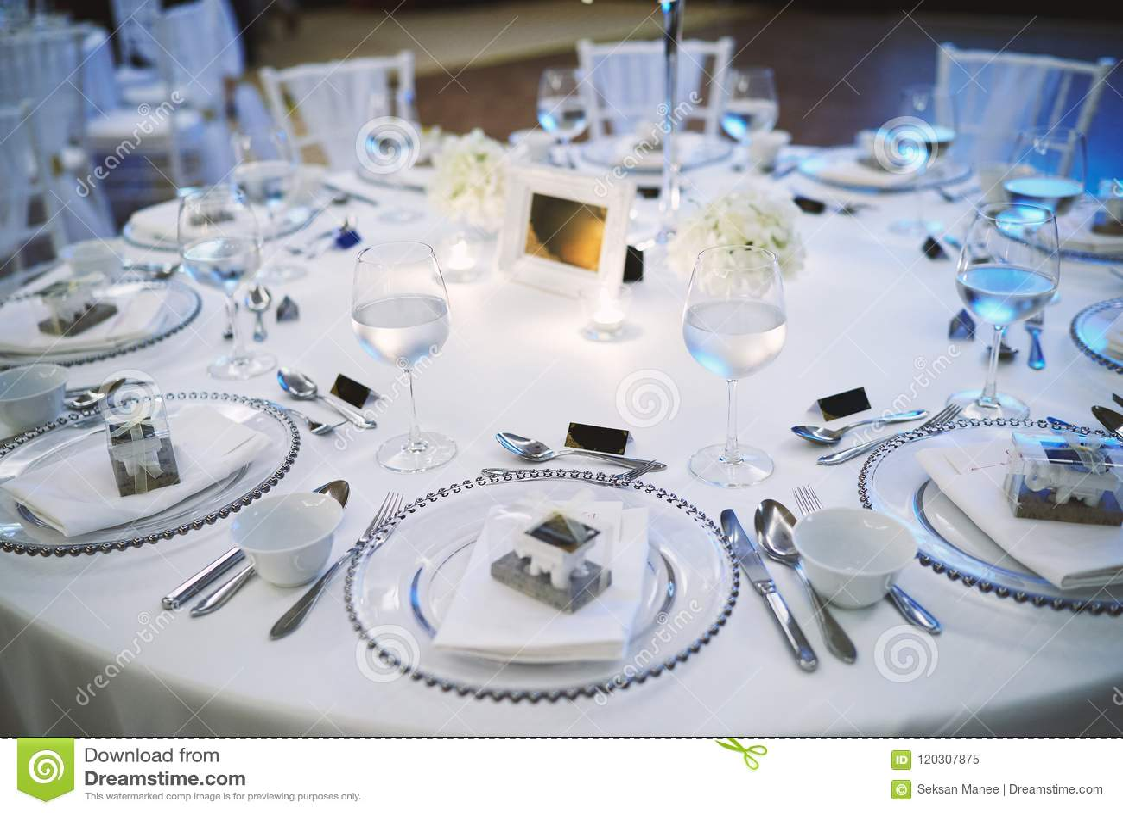 Wedding Reception Dinner Table Setup For Luxury Wedding Celebration ...