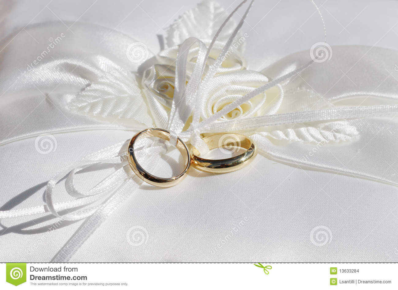 wedding with rings pic three nice engagement of ring stone