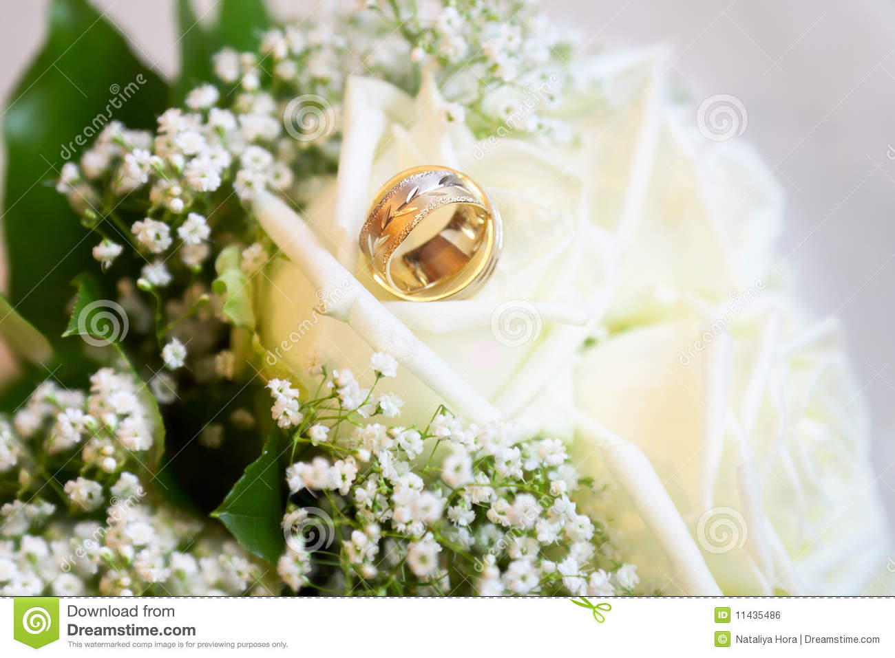 and with photo wedding bouquet bridal lucky stock rings horseshoe