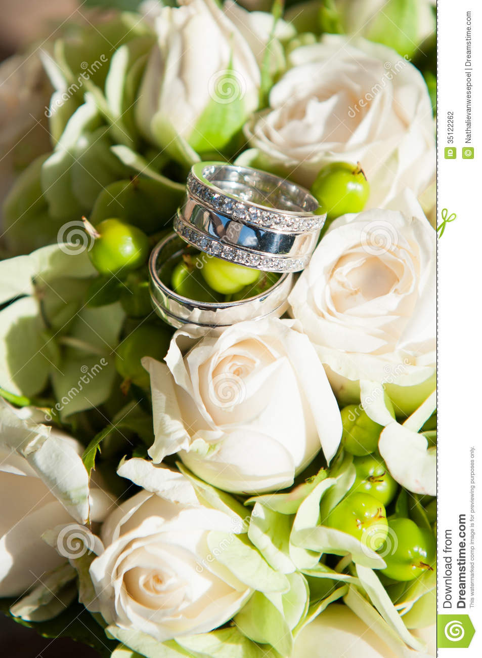 image generic resting day on bands a flower of white gerbera photo rings silver closeup centre bouquet stock wedding brides