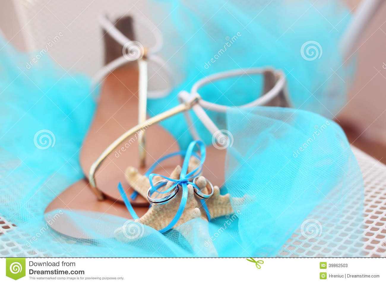 73bcc7f6bf73a Wedding rings stock image. Image of propose