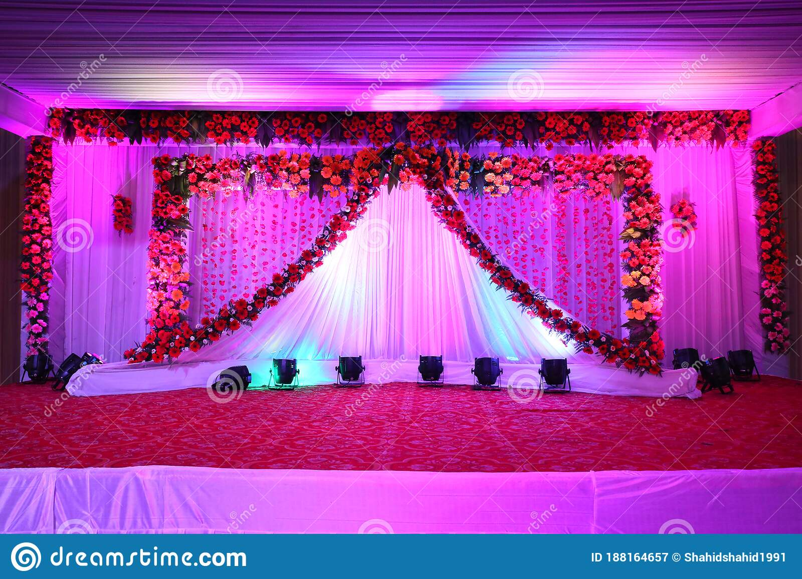 Wedding Stage Decoration In Wedding Hall For Party Stock Image - Image of  decor, love: 188164657