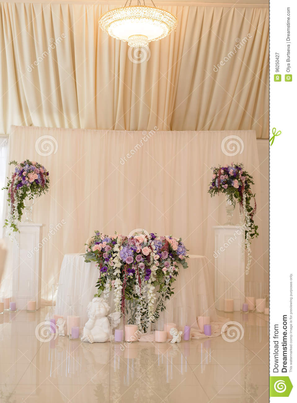 Wedding Table Decoration In Ivory And Lilac Colors With The Initials