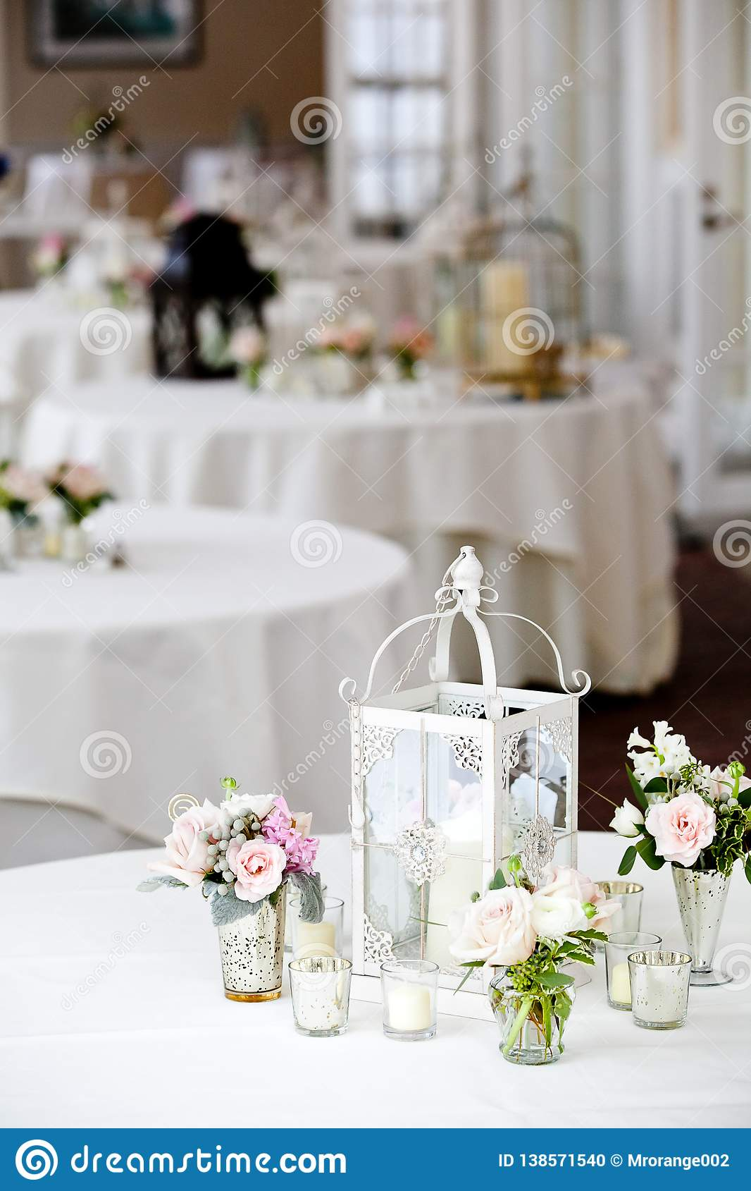 Pink And White Table Decorations  from thumbs.dreamstime.com