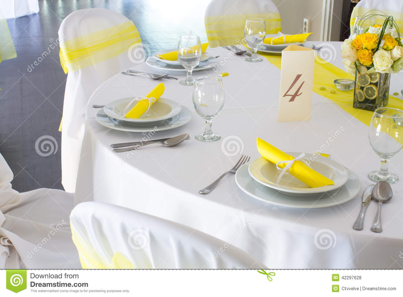 Wedding table decoration stock photo. Image of bouquet - 42297628