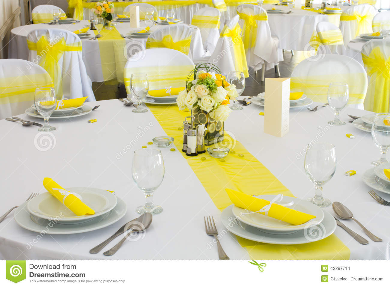 Yellow And White Wedding Decoration Ideas - Elitflat