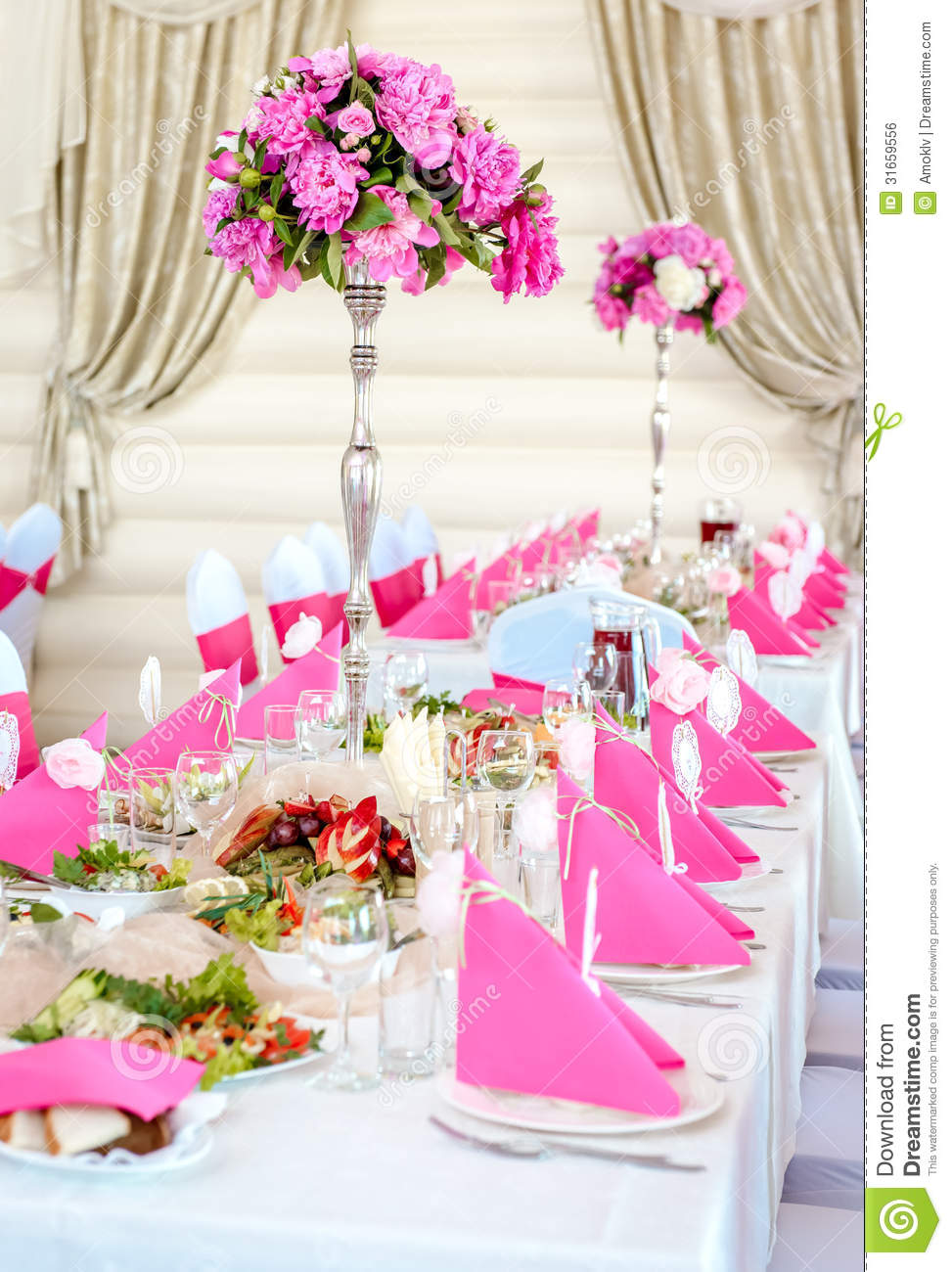 Pink And White Wedding Decoration Ideas Table Decorations In Colors