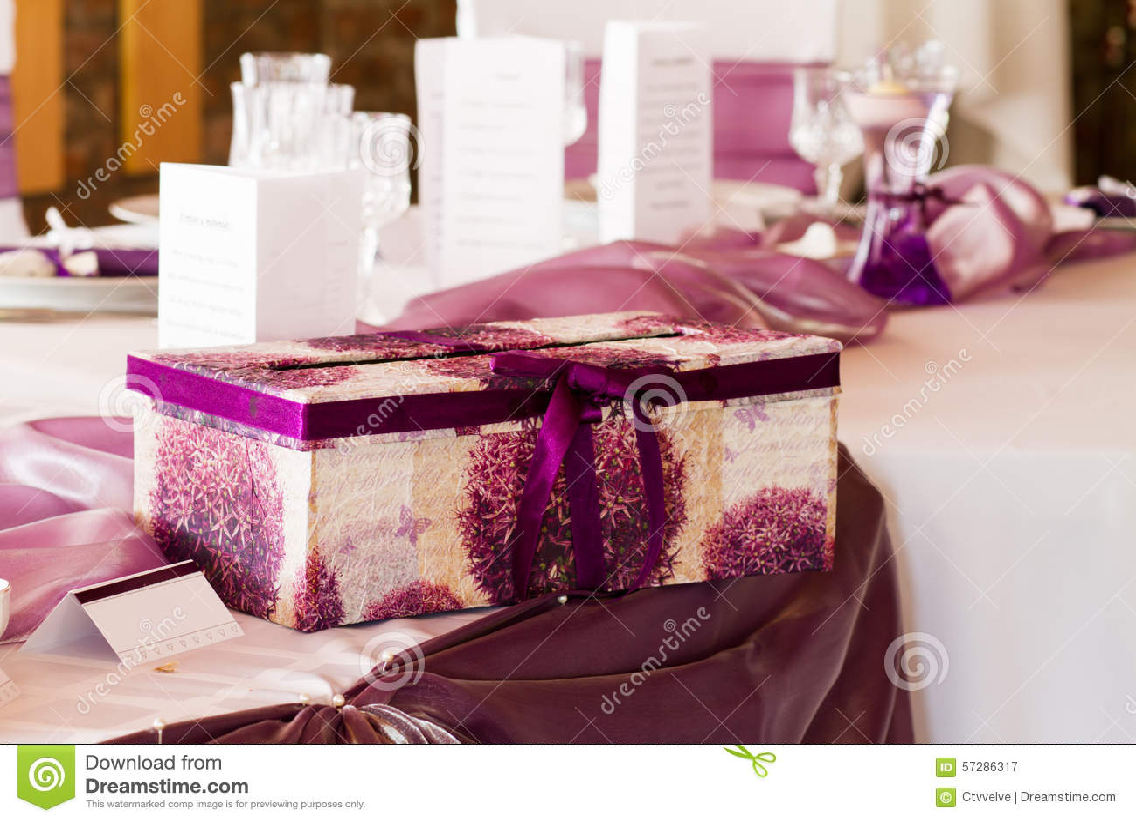 Wedding table with giftbox stock image. Image of elegant - 57286317
