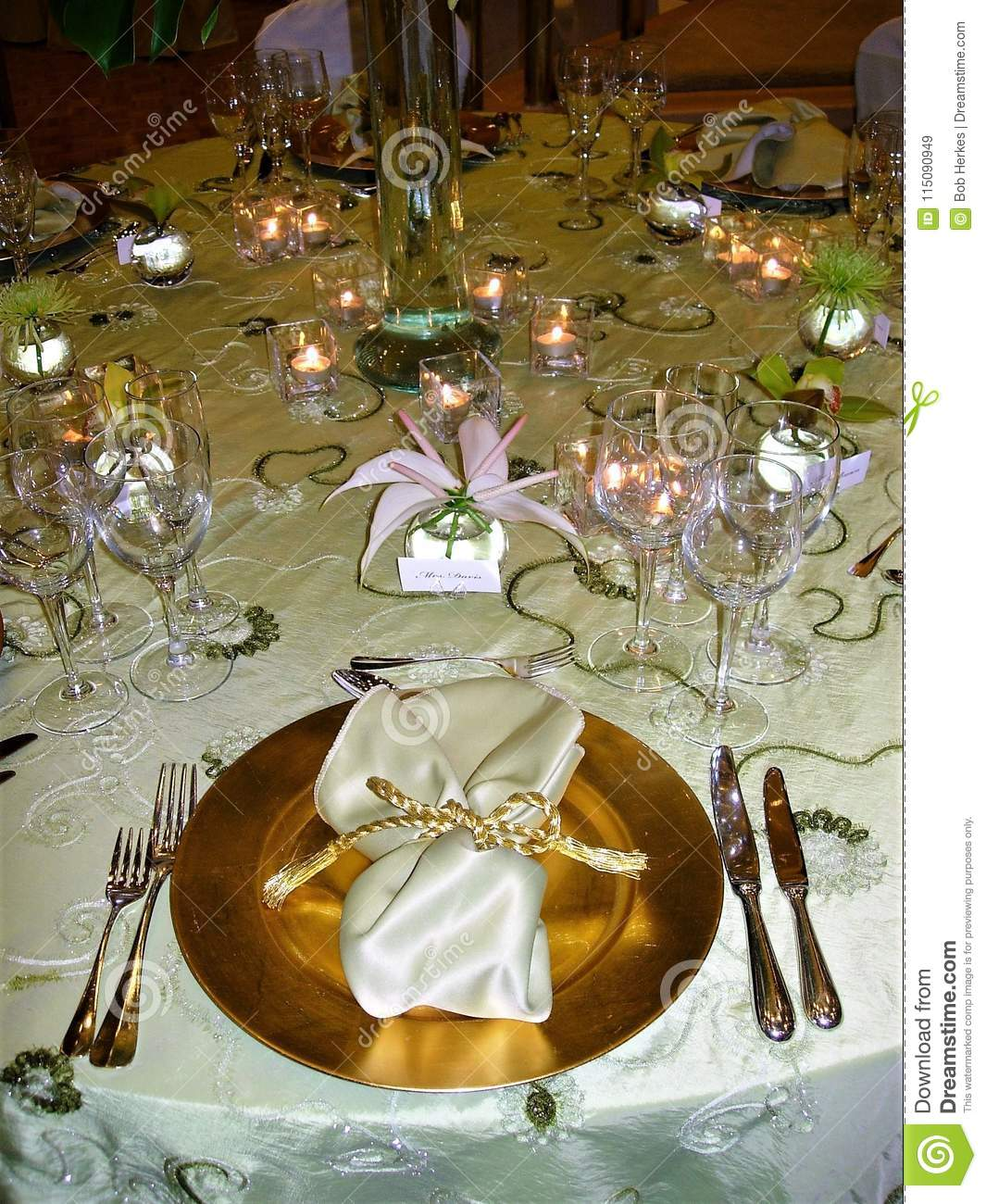 Wedding Table Setting With Gold Accents Stock Image Image Of Accents Floral 115090949