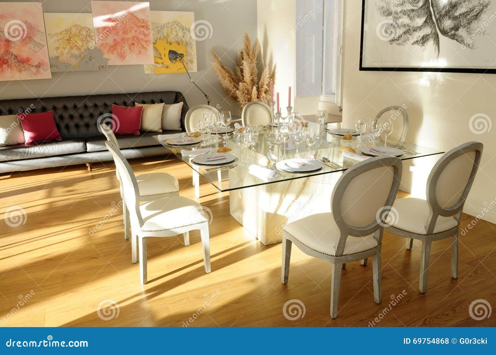 Table Setting Romantic Light And Decoration Elegant