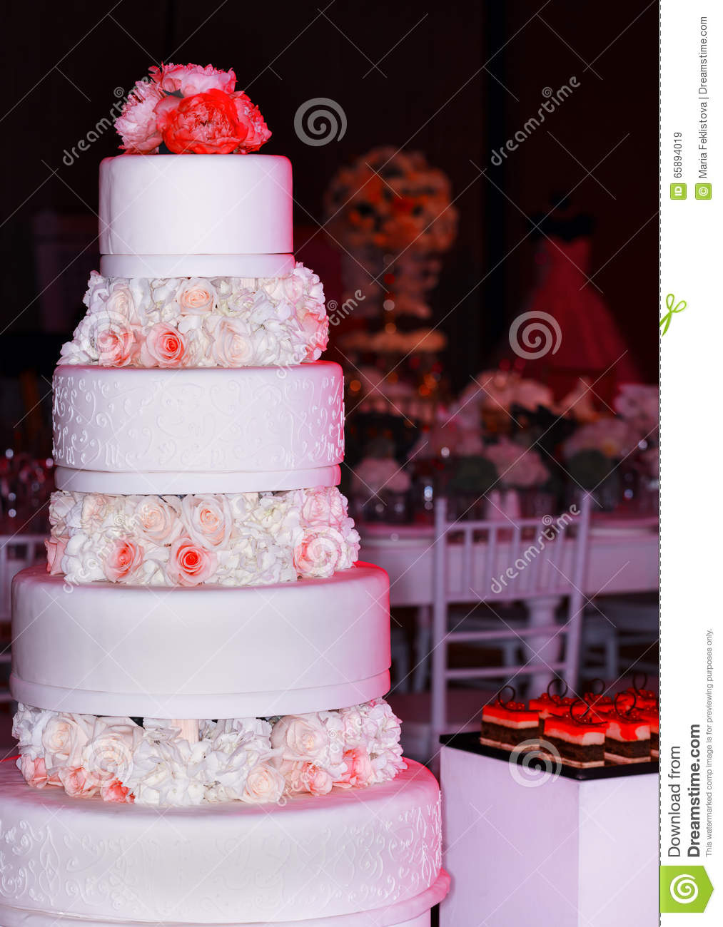 Wedding tier cake decorated with roses