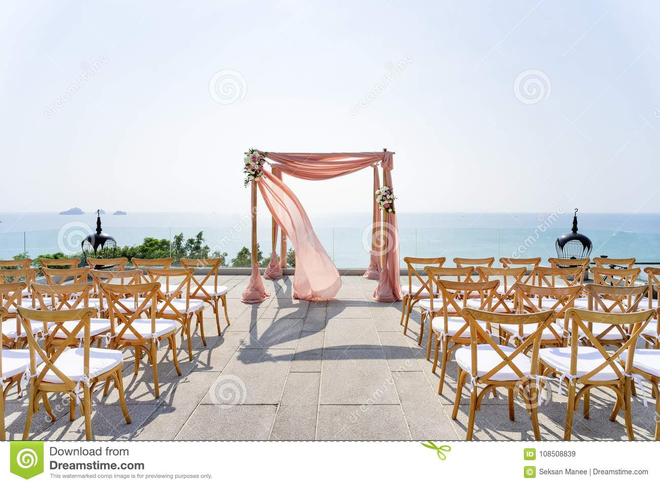Outstanding Beach Wedding Venue With The Ocean View Background The Uwap Interior Chair Design Uwaporg