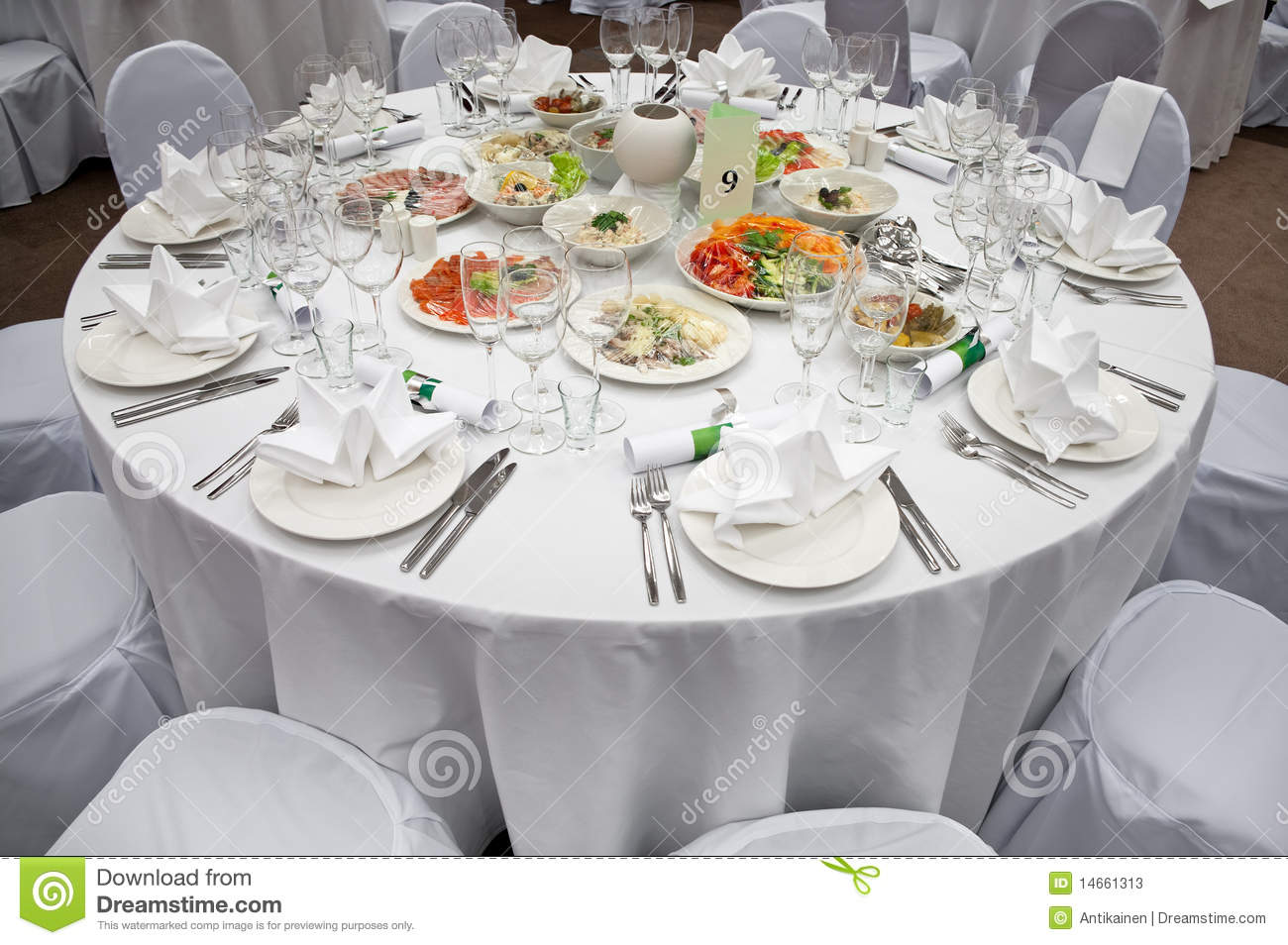 Wedding white round diner table stock image image of for Table a diner