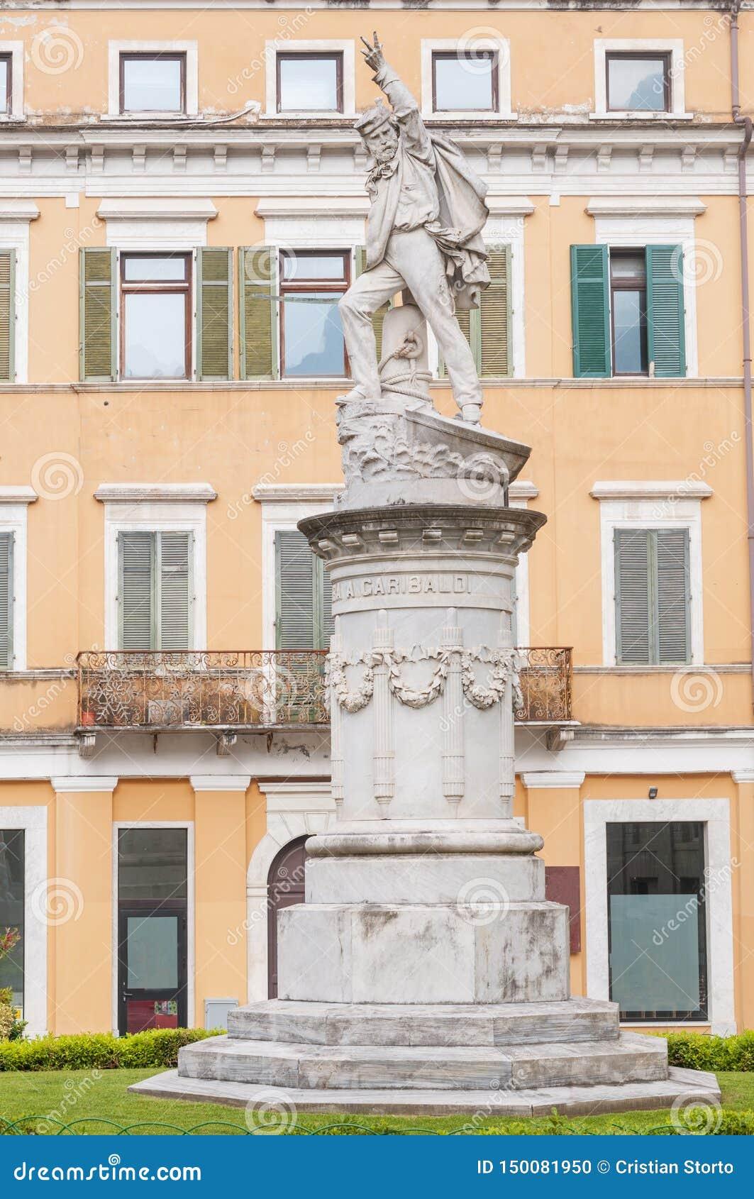 Weergeven van Carrara Italië, marmeren monument aan Giuseppe Garibaldi, Italiaanse algemeen ook bekend als de held van de twee we