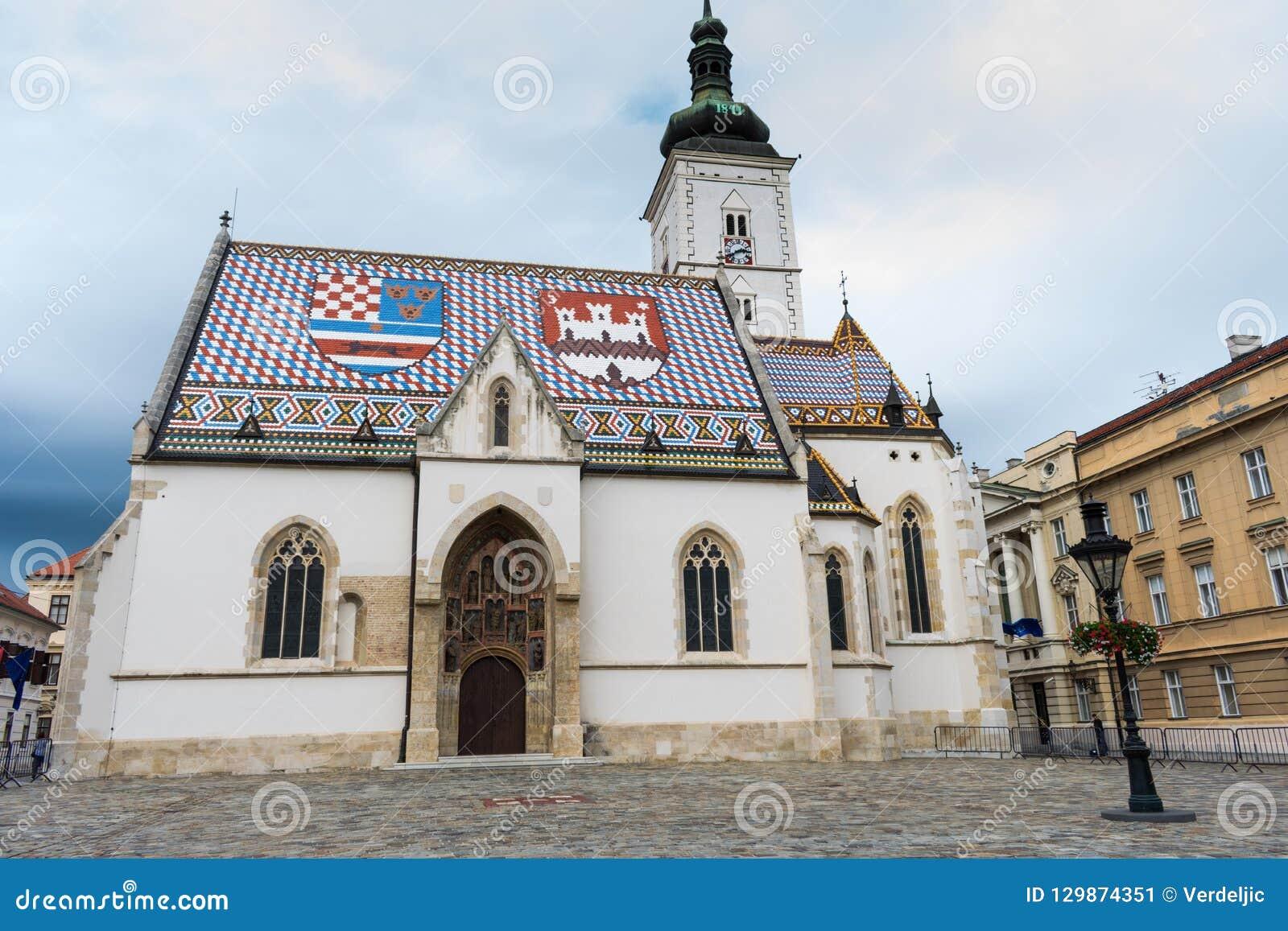Weergeven van de kerk van het beroemde St Teken in hogere stad Zagreb, Kroatië