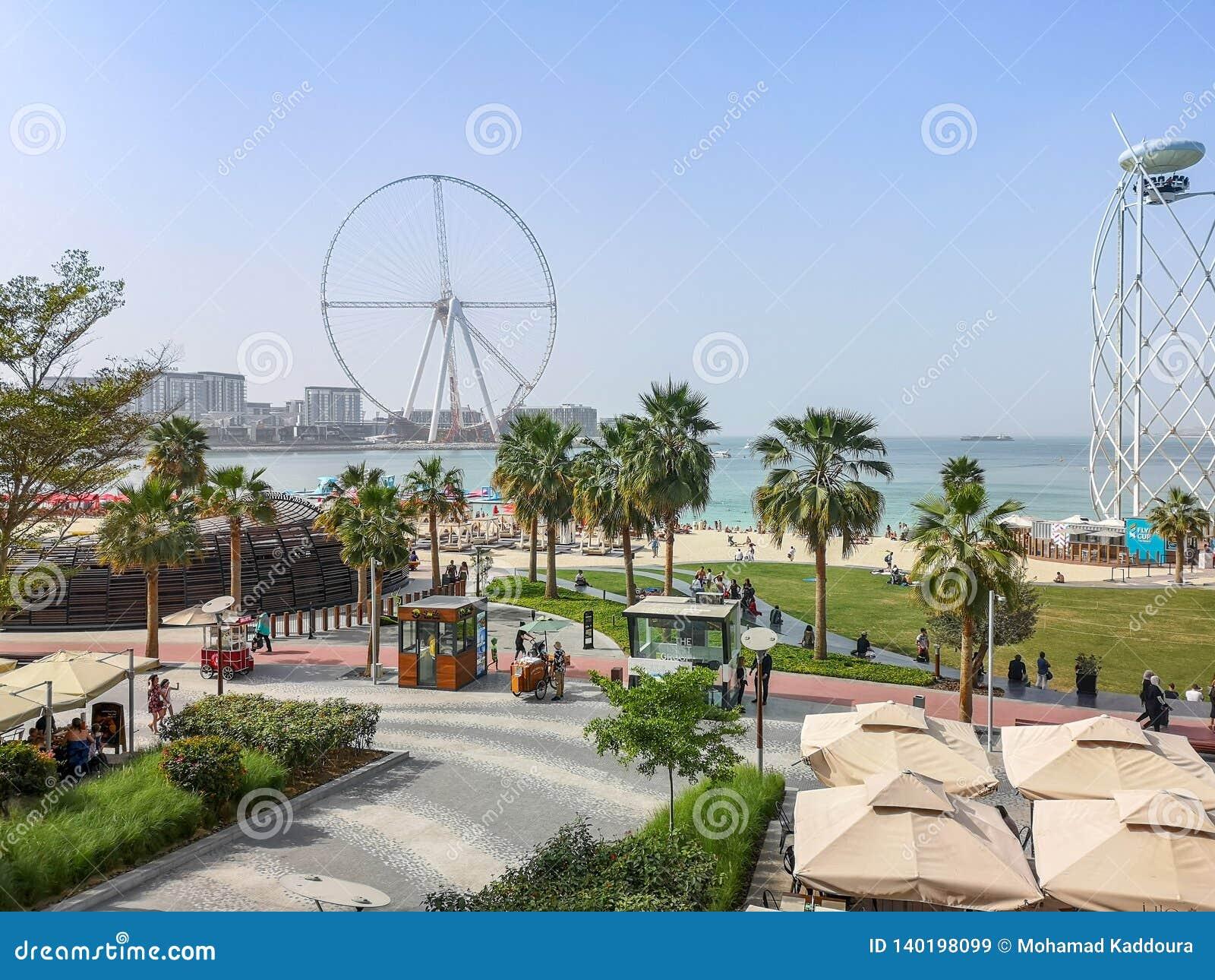 Weergeven van het strand van JBR Jumeirah Beach Residence en Bluewaters-eiland, nieuwe toeristische attractieoriëntatiepunten in