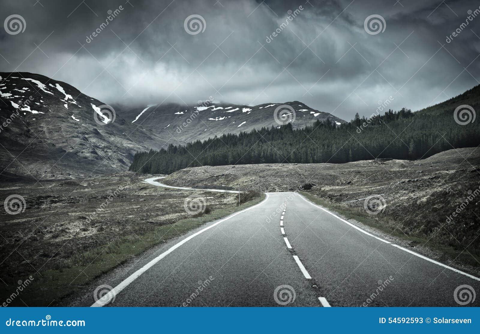 Weg in Bergketen