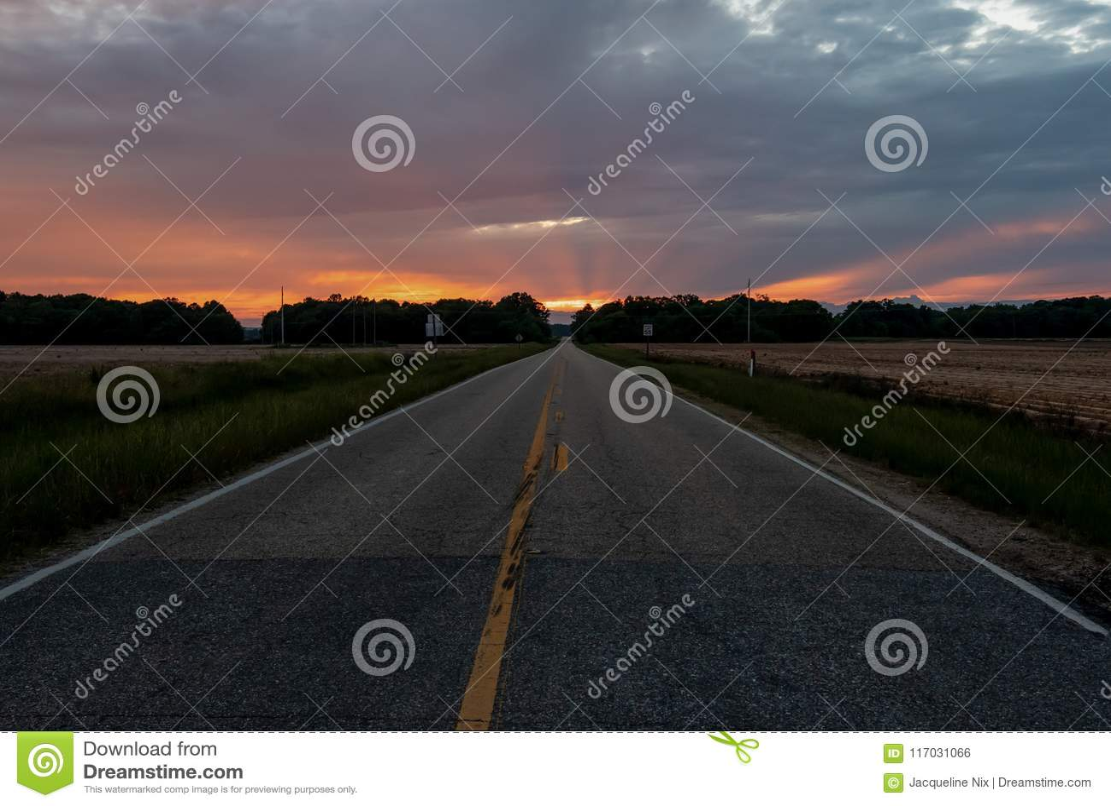 Weg die tot de zonsondergang leiden