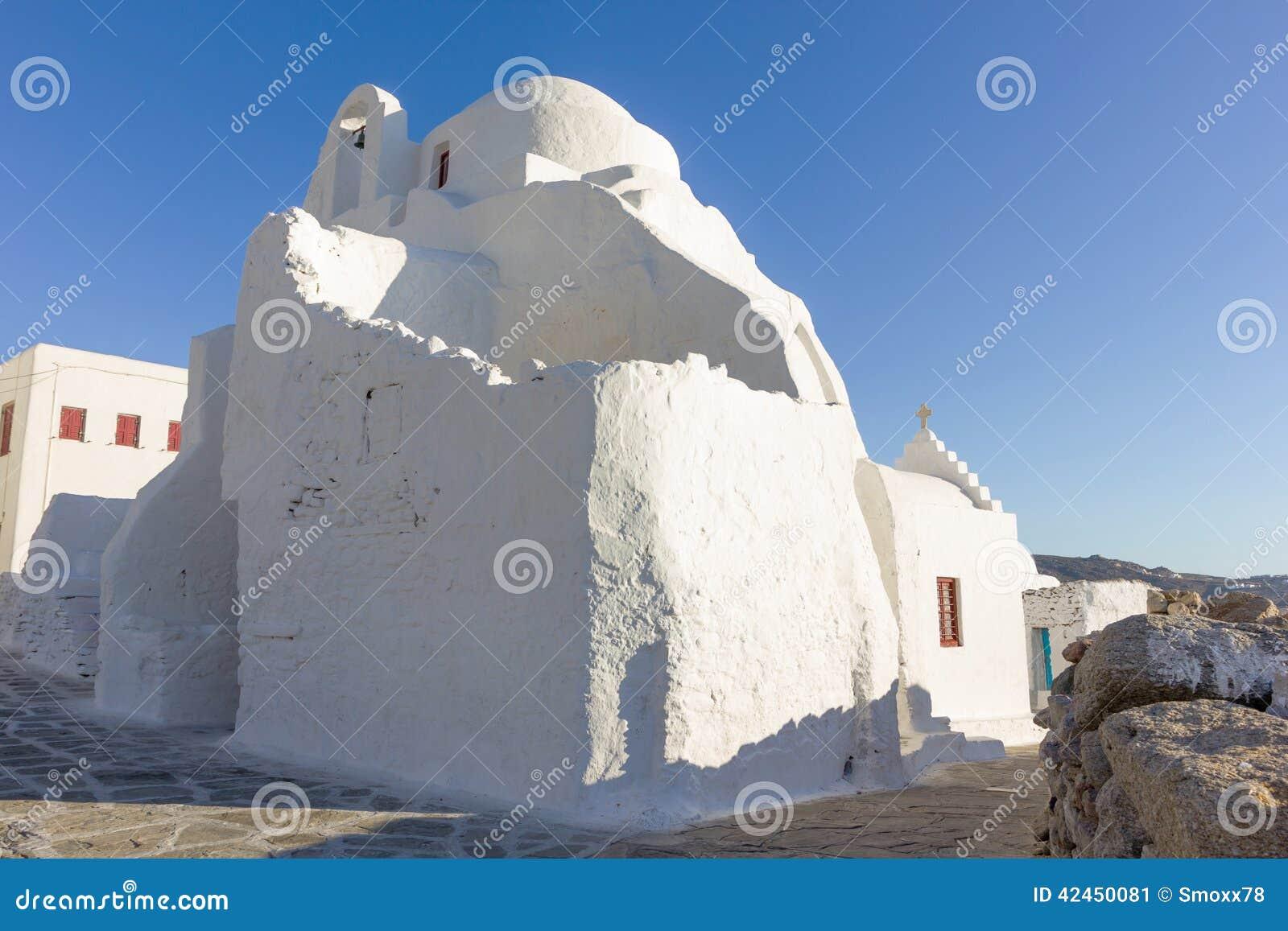 Weiße traditionelle Kirche in Mykonos