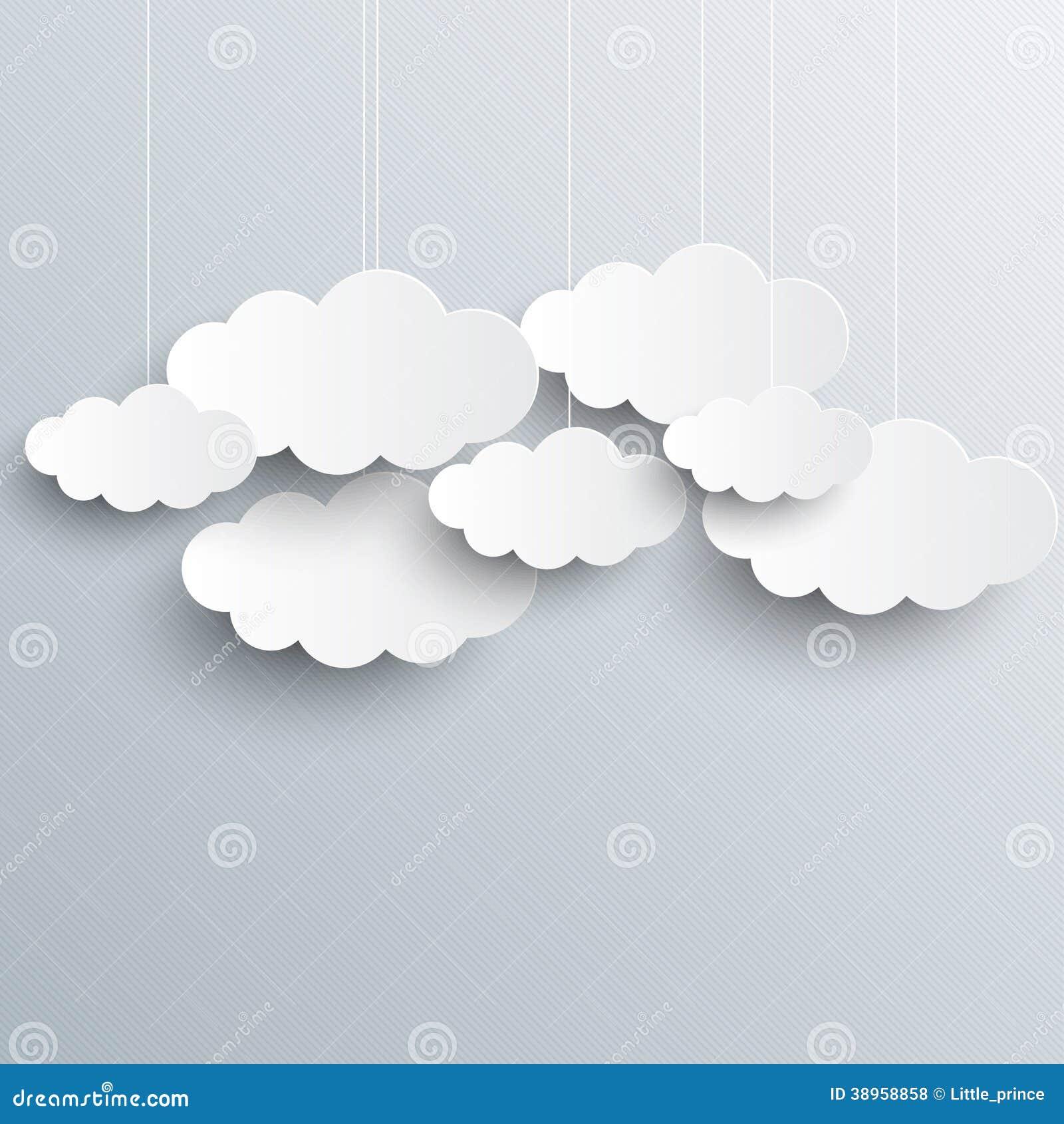 Weiße Wolken auf grauem Himmelhintergrund