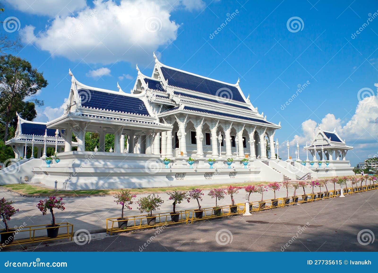 Weißer buddhistischer Tempel