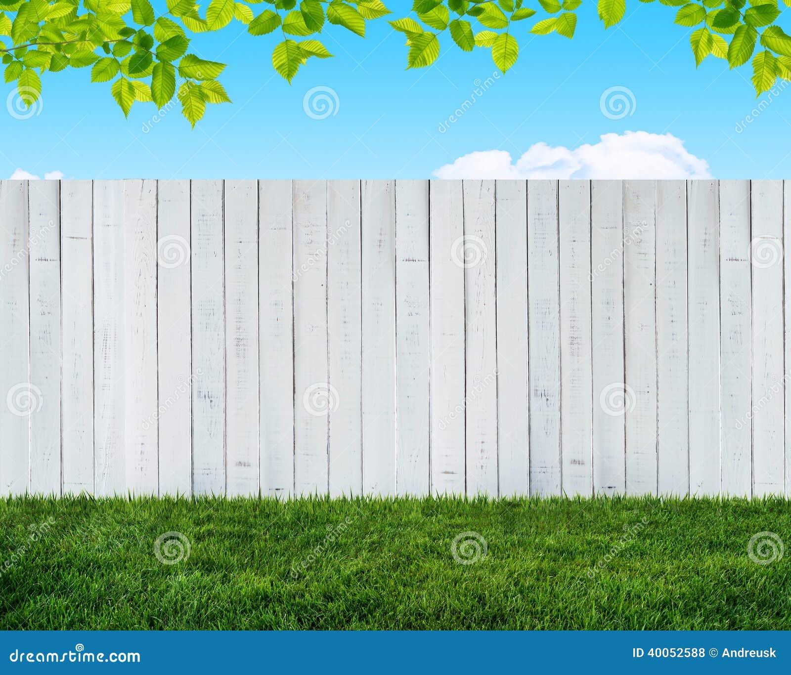 Weißer Gartenzaun stock abbildung Bild von jahreszeit