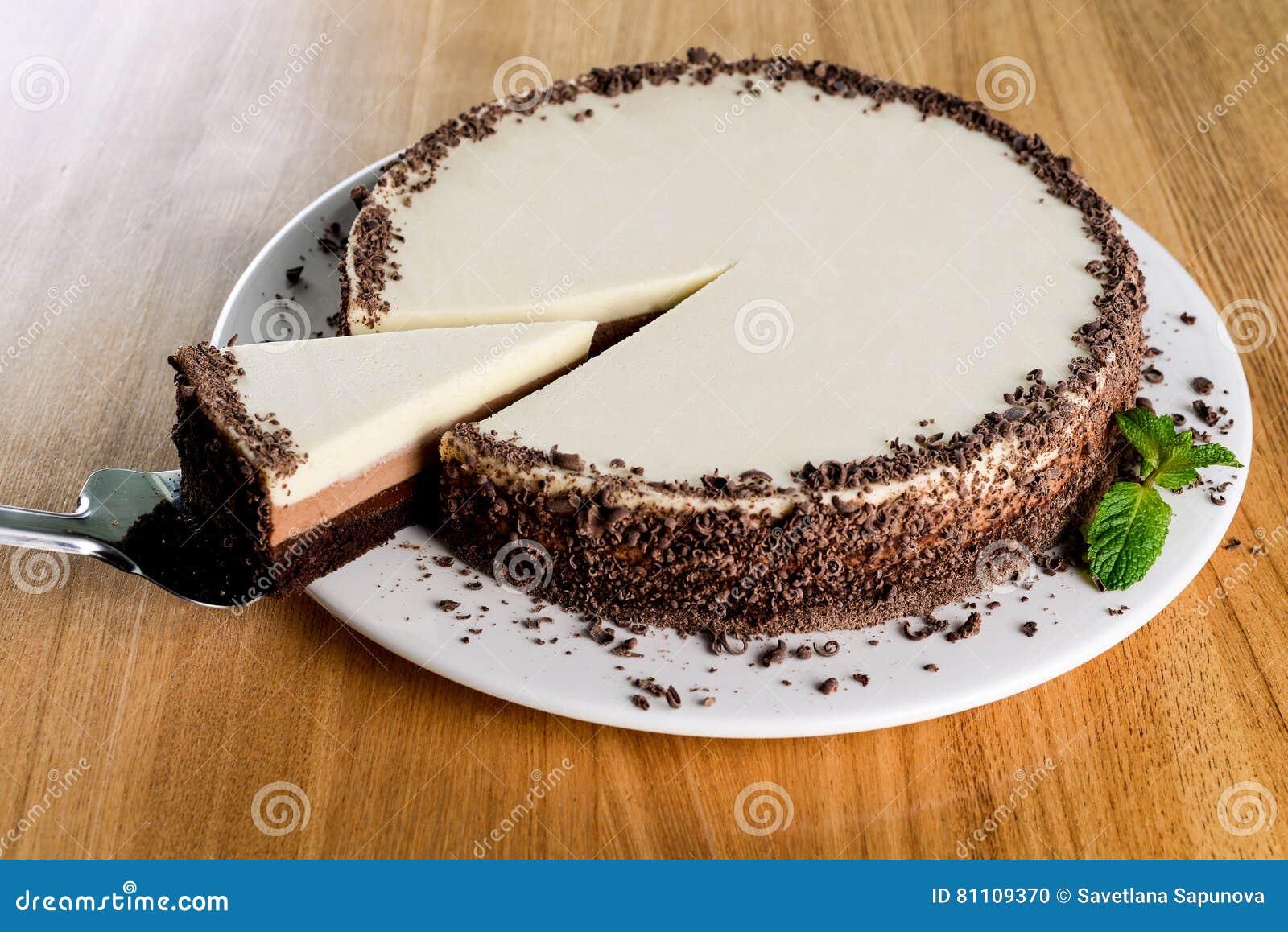 Weisser Schokoladenkuchen Stockfoto Bild Von Frohlich 81109370