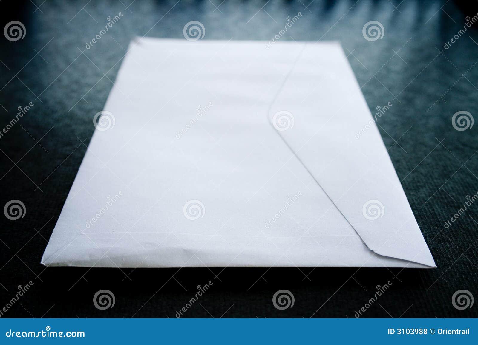 Weißer Umschlag