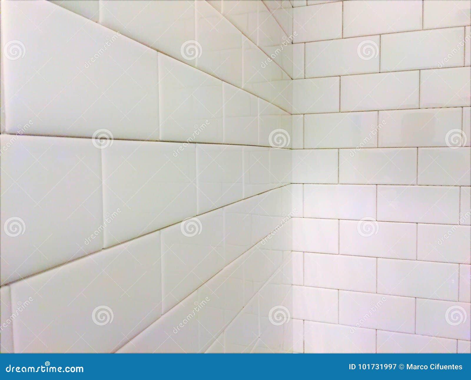 Download Weißes Fliesen Dusch U Bahn Muster Stockbild   Bild Von Küche