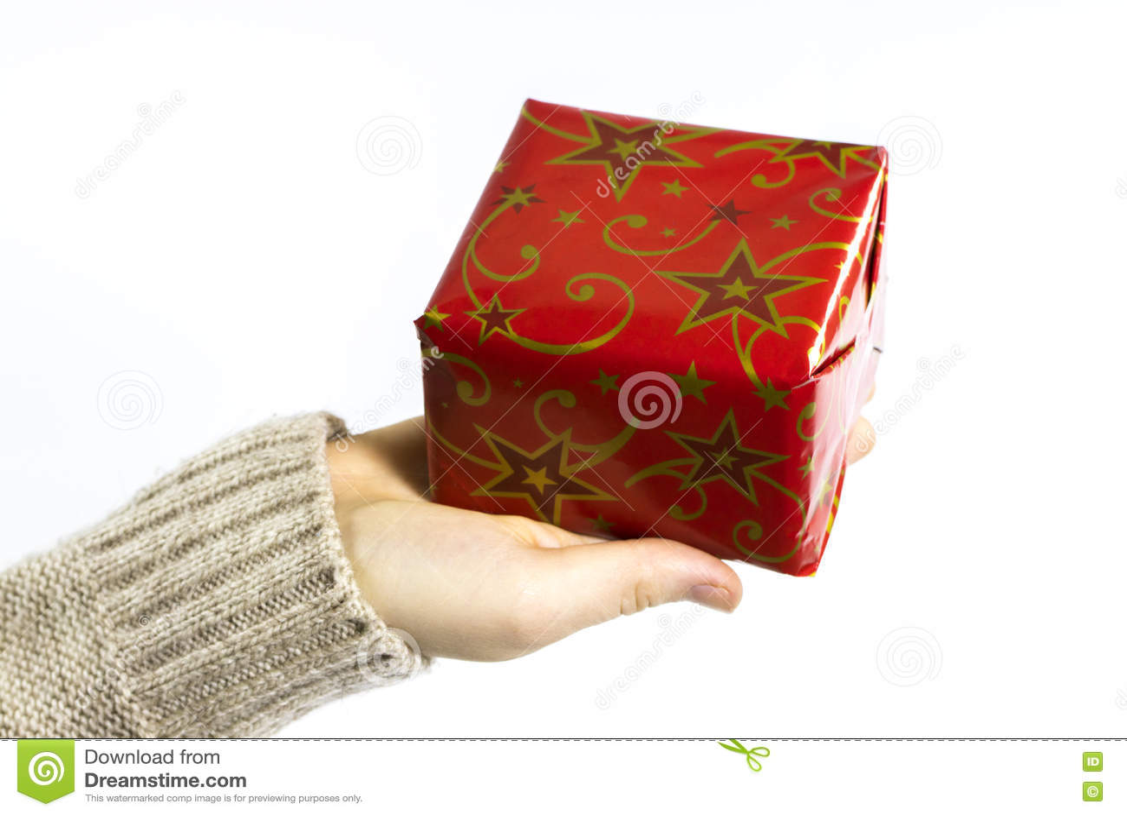 Weibliche Hände, Die Ein Weihnachtsgeschenk Lokalisiert Auf Weiß ...