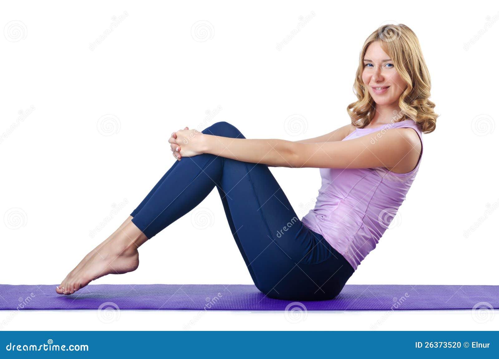 Weiblicher Sportler, der Übungen tut