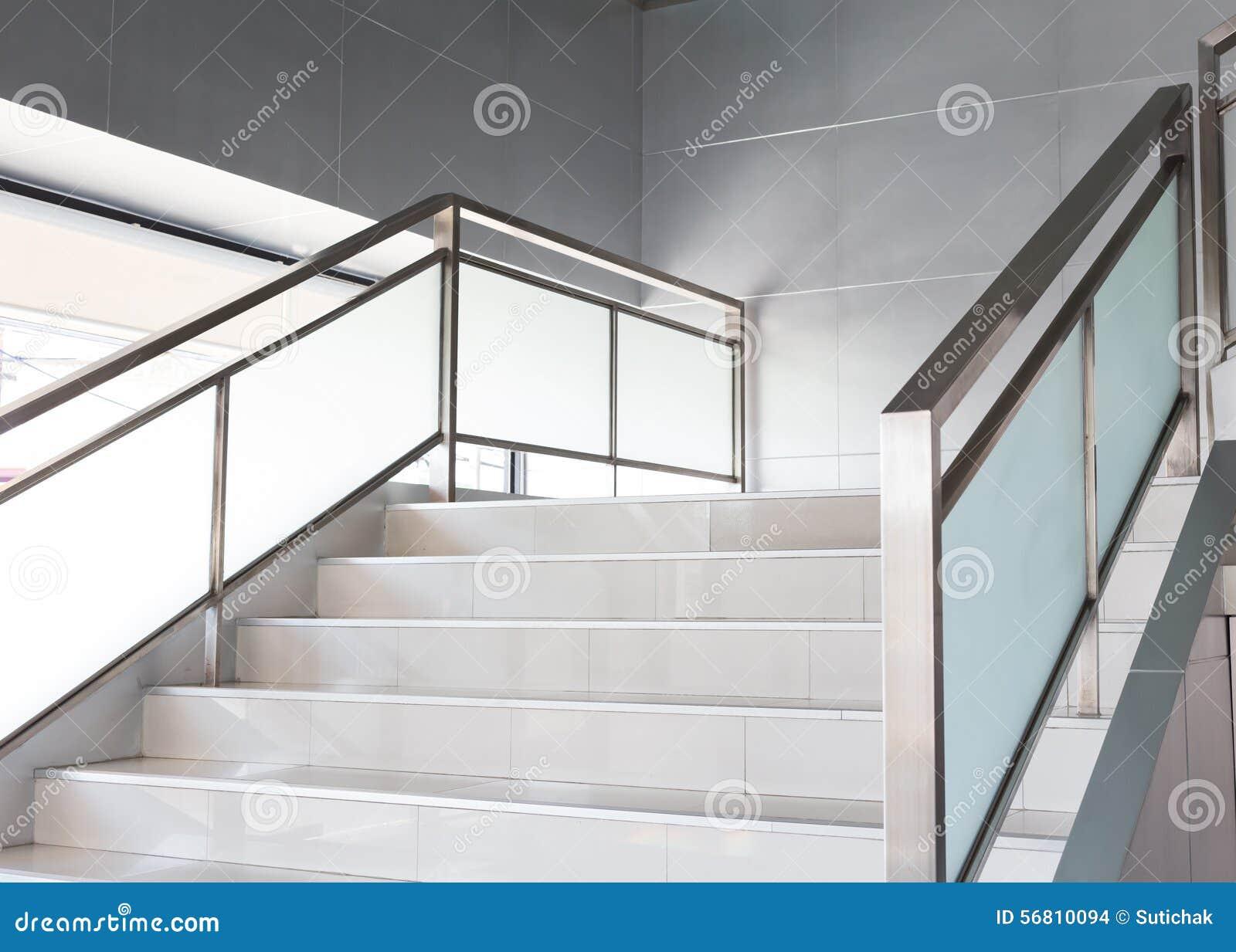 wei e treppe im modernen b ro stockfoto bild 56810094. Black Bedroom Furniture Sets. Home Design Ideas