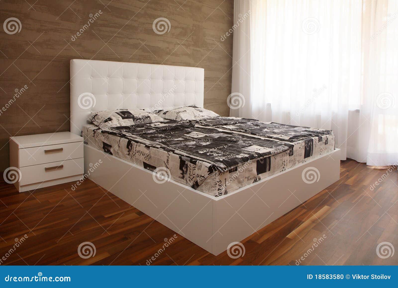 weißes schlafzimmer stockfoto - bild: 18583580